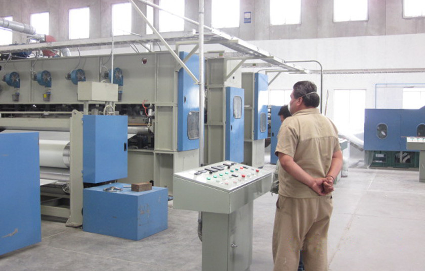 4000mm Non Woven Fabric Making Machine For Nonwoven Wadding Padding Making